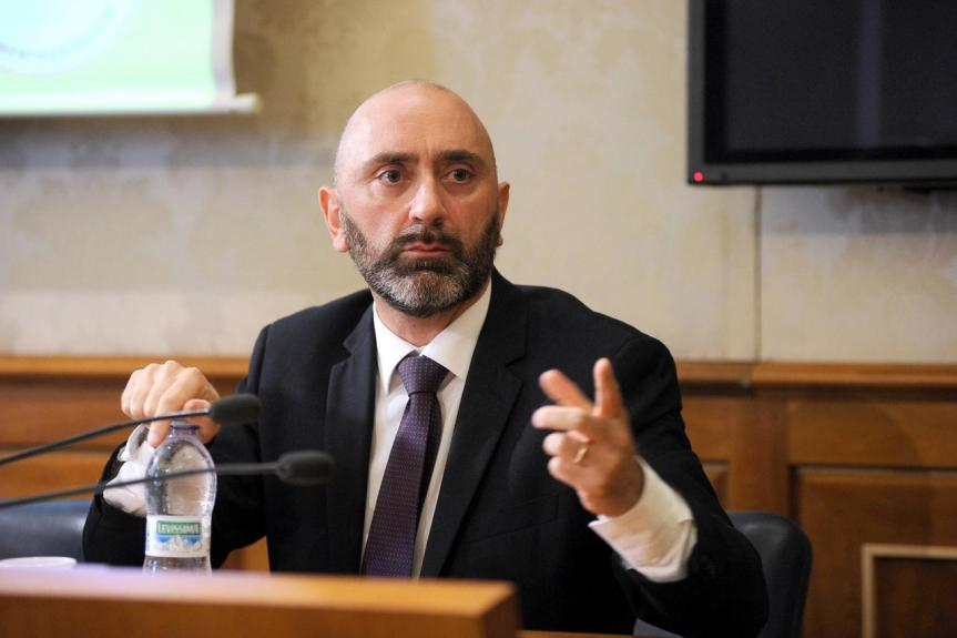 """L'affaire Novelli: """"Se c'è stato dolo, è avvenuto al Mise"""". L'accusa del senatoreLucidi"""